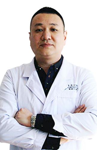 丽江德柏口腔医院 马丹军