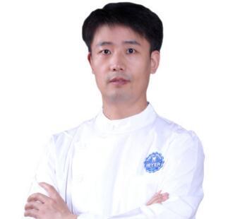 郑州拜博口腔医院王中杰