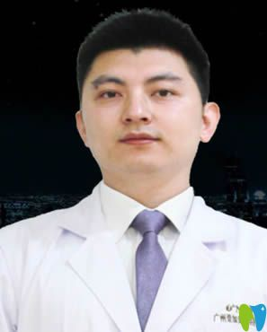 广州壹加壹口腔种植牙专家郑育亮