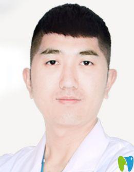 西安中诺推荐种植牙医生李鑫