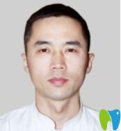 郑州唯美口腔主任医师、特聘医生王富来