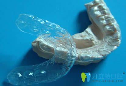 透明压膜保持器
