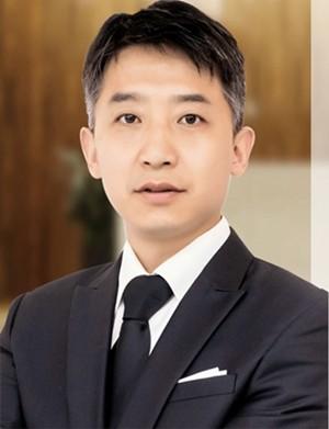 上海亿大口腔门诊部刘保民