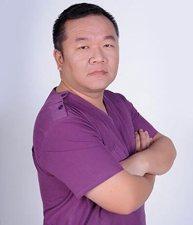 北京瑞鲨口腔门诊部 吴志强