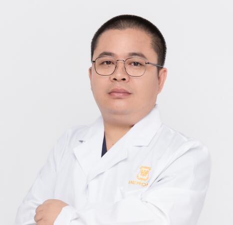 广州柏德口腔门诊部刘军