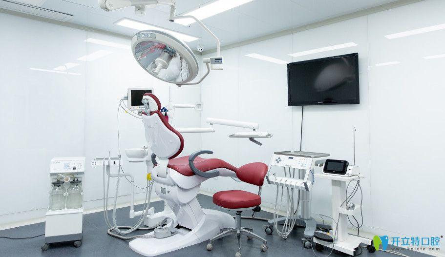 德贝口腔种植牙治疗间