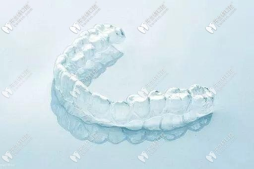 成人隐形牙齿矫正活动价格表