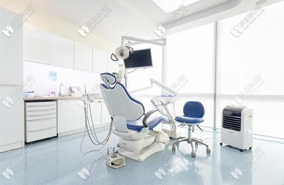 茁悦口腔成人诊疗室