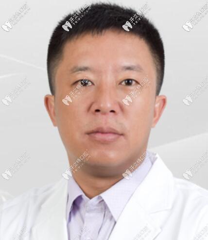 珠海九龙口腔医院吴祖俊