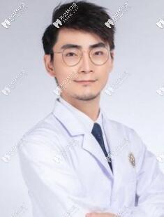 珠海九龙口腔医院胡财愿