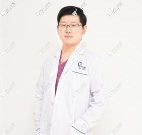杭州雅乐口腔门诊部韦世豪