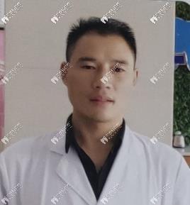 信阳伢牙齿科门诊部余新春