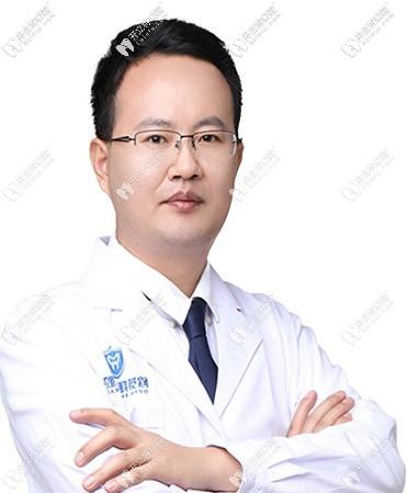 深圳拜尔口腔门诊部黄超