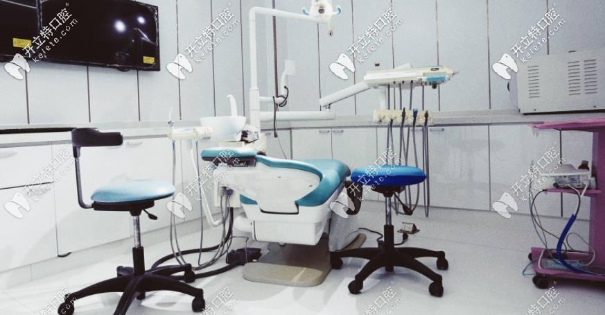 刘策口腔的诊疗室