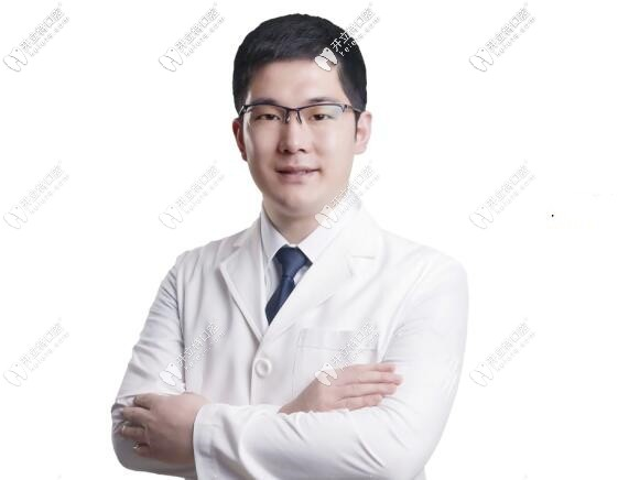 宁波牙博士口腔医院张岩