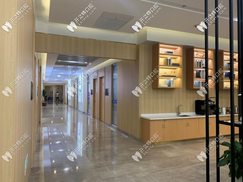 杭州美奥口腔大厅走廊