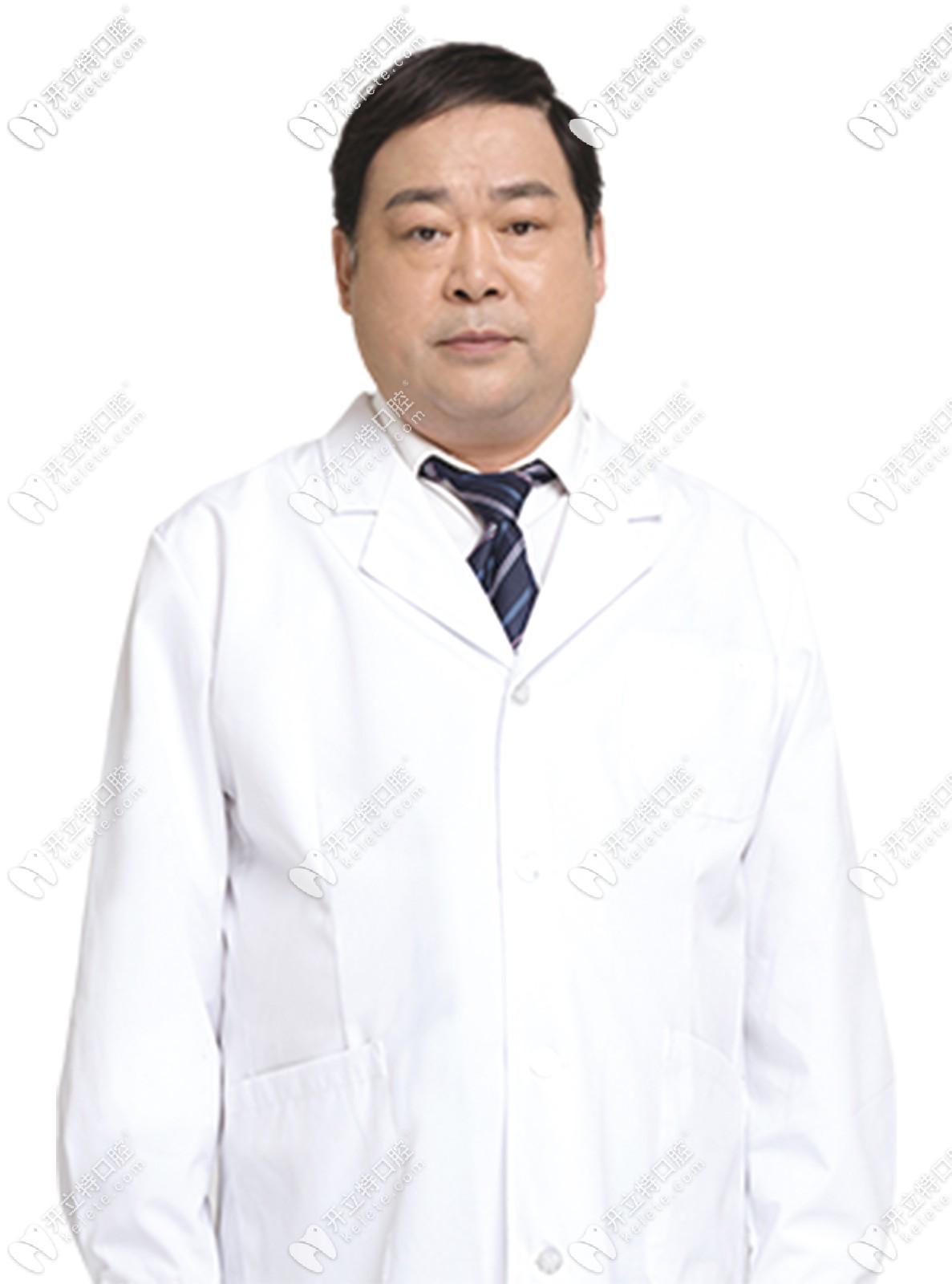 昆明雅度口腔门诊部李金林