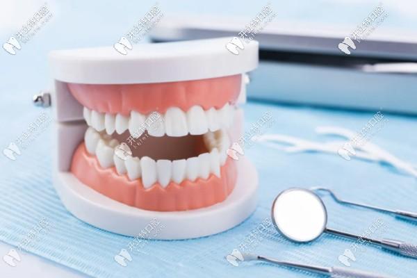 推荐一份临汾牙科医院的收费价格表,种植牙等费用都含有