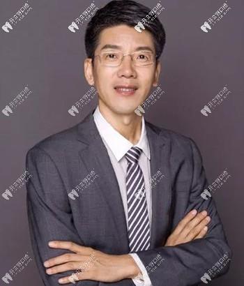 广州青苗口腔门诊部孙志学