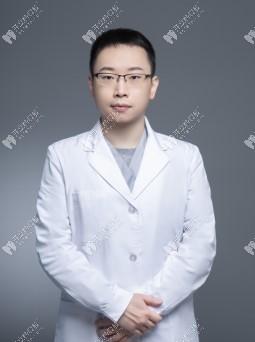 谭宇堃医生是北京宝石花口腔的正畸医生