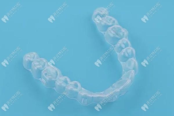 朔州天天口腔的收费价目表里,内含多款隐形牙套的矫正费用