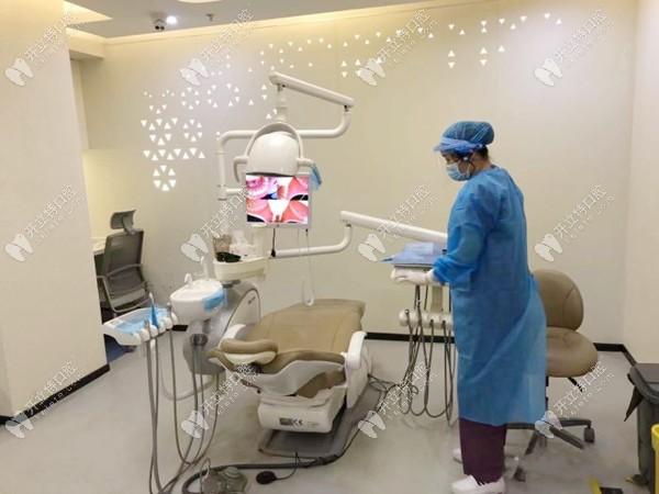 看了美奥口腔的3D数字化种植牙技术,赶紧带老爸来种牙